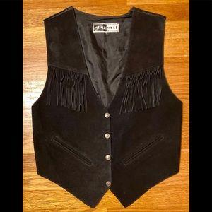 Mona Mode blk button up suede Vest w/fringe, EUC!